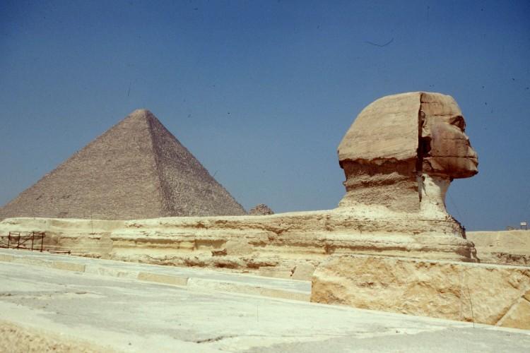 giza-pyramid-sphinx2