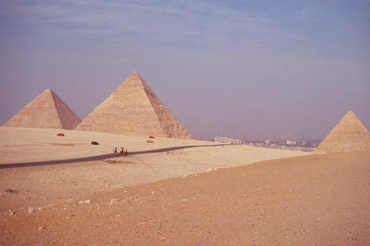 giza-pyramids-Scan1864