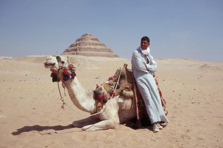 saqqara-step-pyramid-camel-Scan51