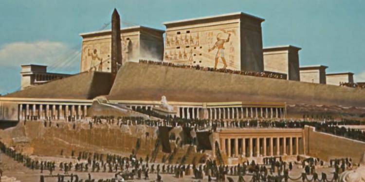 chobl-10-commendaments-temple