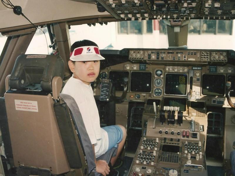 94-07-KE-B744-cockpit