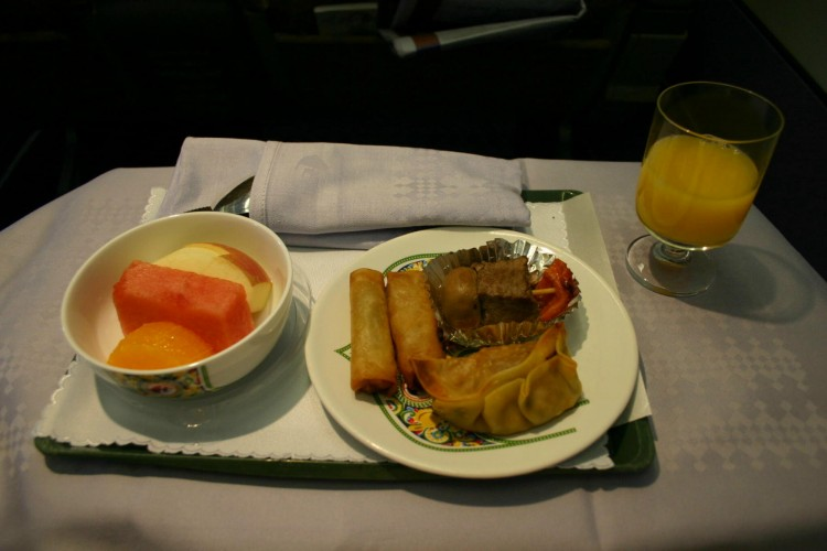MH067-ICN-KUL-2006-C-inflight-meal-2nd-service