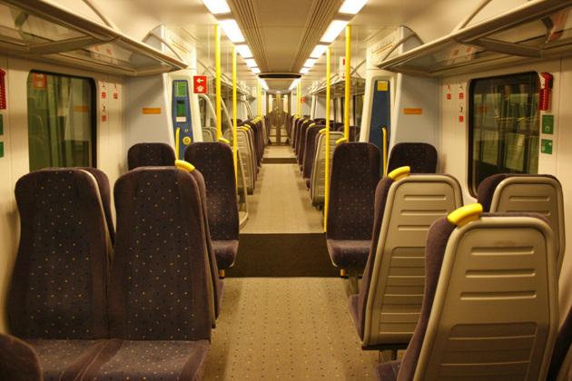 20110722_023340__BKK-rail
