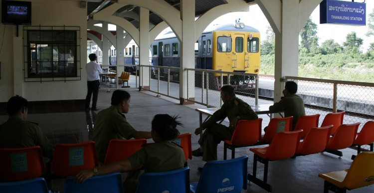VTE-train-Tanaleng-immigration-1