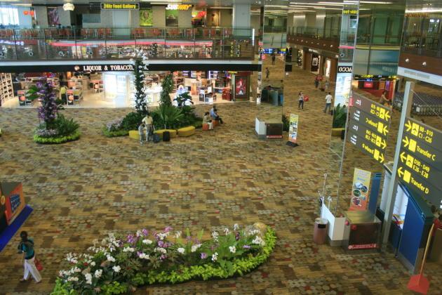 20130328_144656_SIN-arrival-carpet-floor