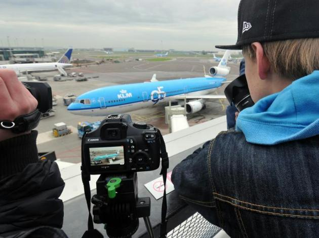 chobl-KL-MD-11-last-flight-AMS-photographers