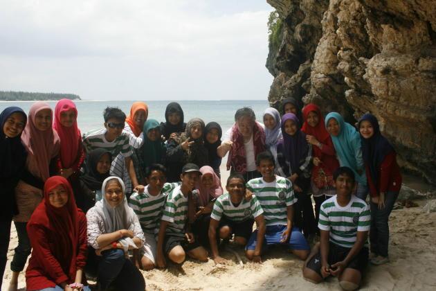 20141226_062101_lampuuk-beach-peoples