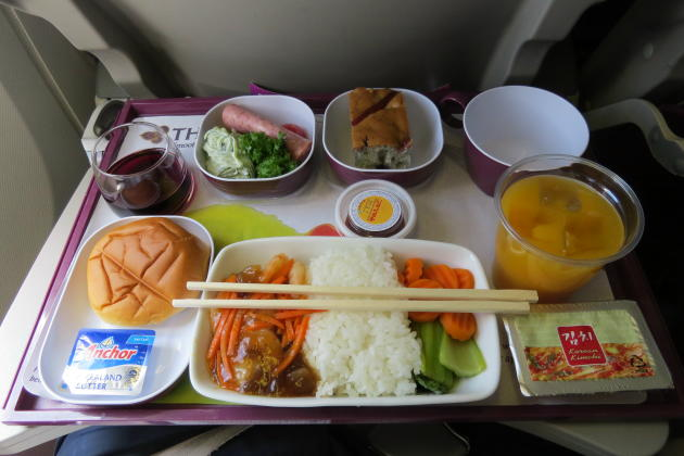 20150402_202058_TG-cabin-Y-inflight-meal
