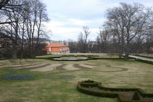 cesky-castle-garden