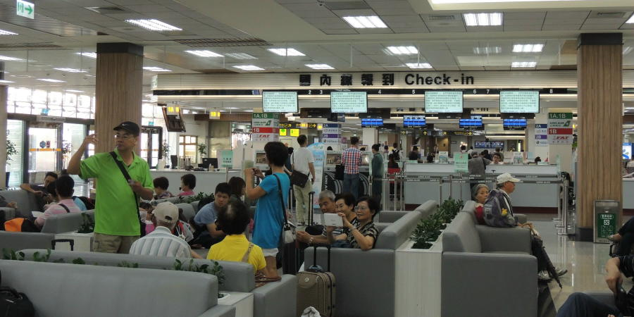 chobl-TSA-check-in-sofa