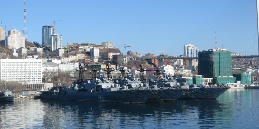 chobl-VVO-port-navy-ships