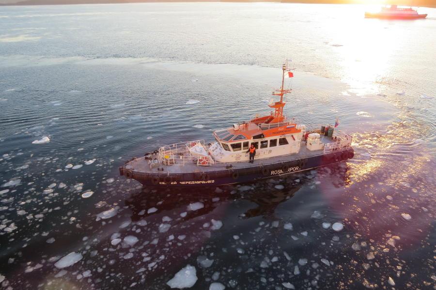 chobl-VVO-port-pilot-boat