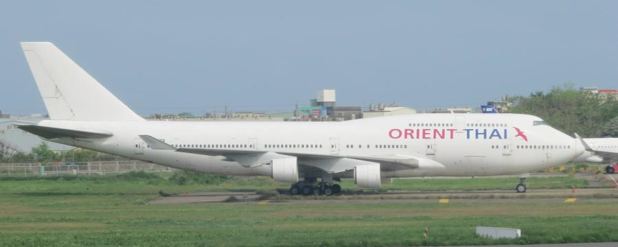 chobl-OX-B747-441-HS-STB-1992-TPE-stored-IMG_2759
