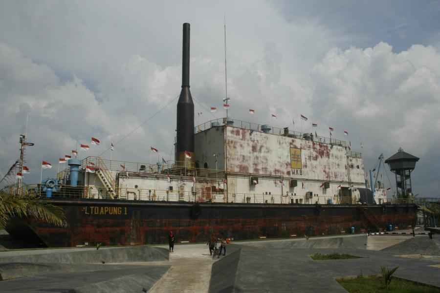 tsunami-pltd-apung1-power-ship-1600t