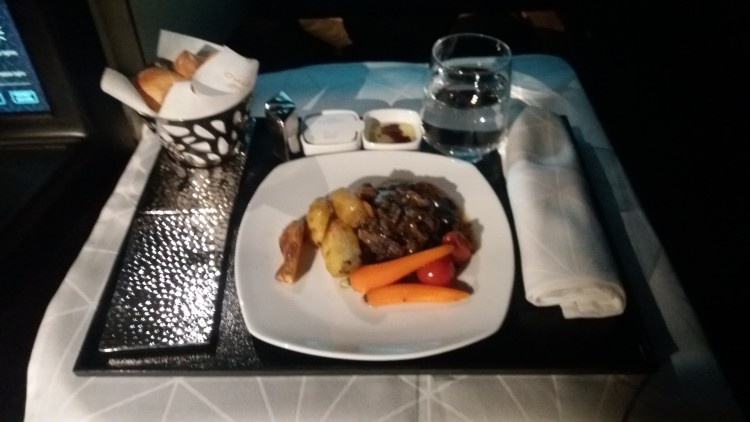 EY876-AUH-ICN-C-inflight-meal-20180222_055138