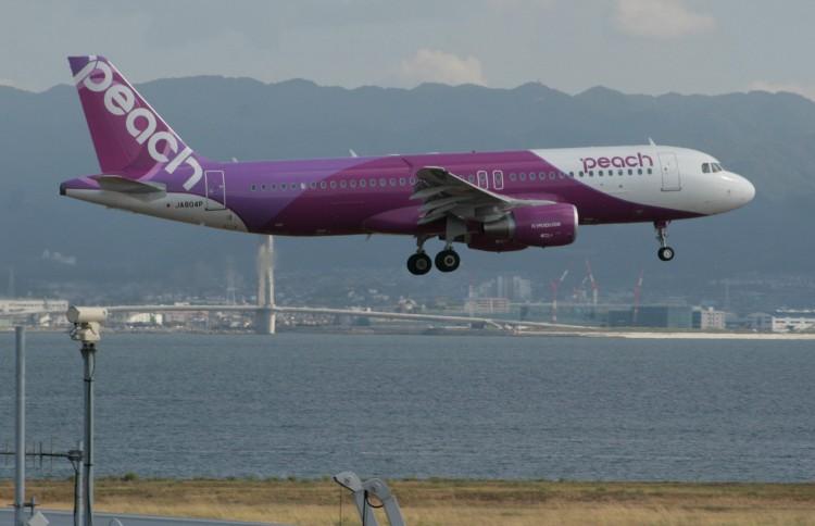 MM-A320-214-JA804P-2012-KIX-landing