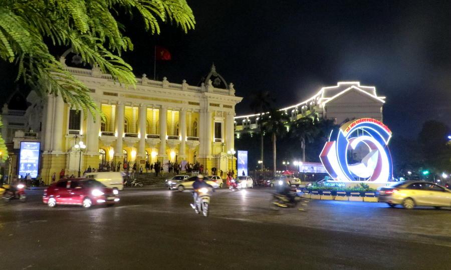 01-hanoi-opera-house-hilton