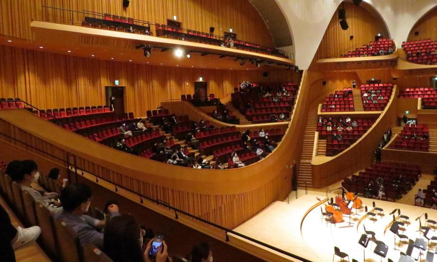 lotte-concert-hall-side