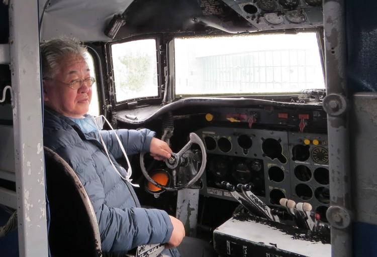 JAM-C-54-Skymaster-DC-4-cockpit-IMG_0587