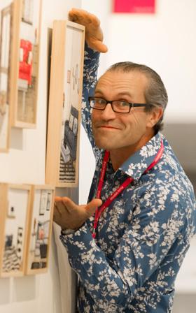 """윌 램지 대표는 유쾌하고 활발했다. """"작품을 사는 건 '미술여행'이에요."""" 그렇다면 그가 생각하는 미술은 뭘까. """"미술요? 즐거움(fun)이지요. 인생을 풍성하고 즐겁게 하는 것!""""/"""