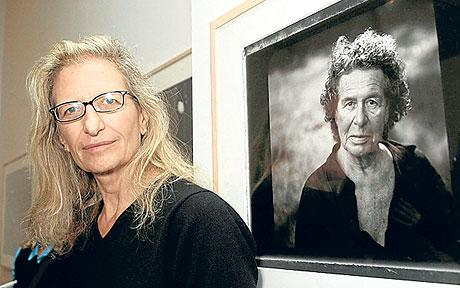 Annie Leibovitz accused of failing to pay bills