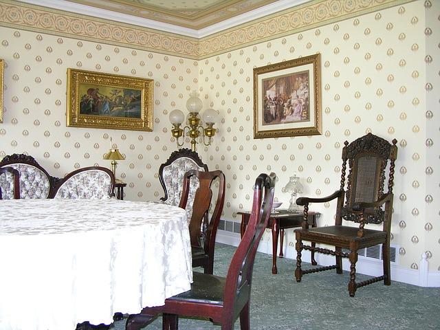 victorian-dining-room-1114987_640