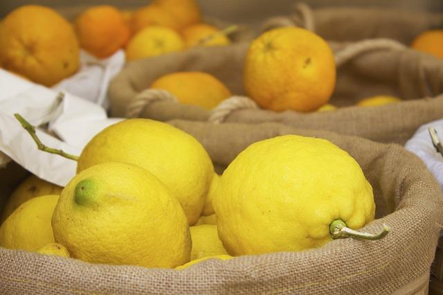 lemons-812069_640