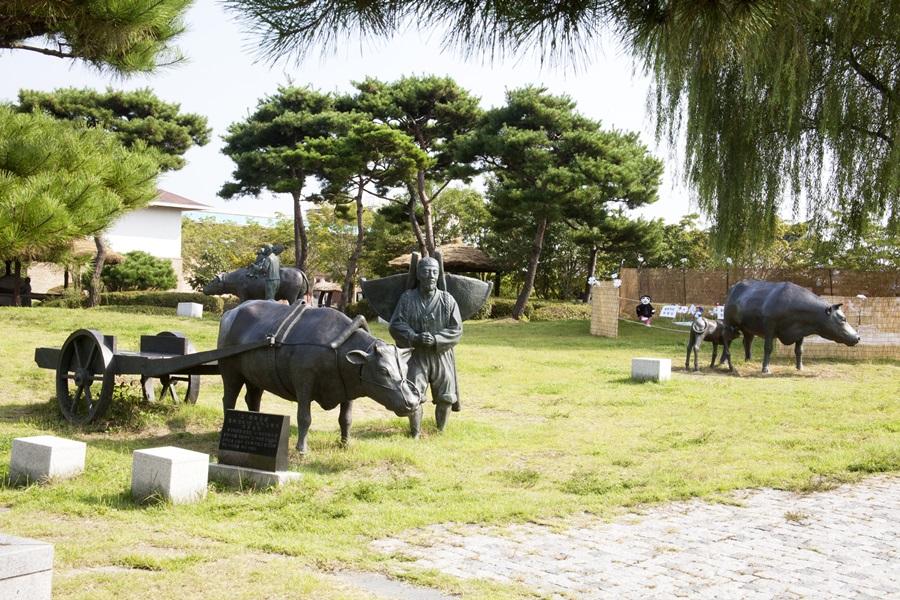 한국 농경문화의 메카 벽골제엔 농사를 지을 때의 모습을 그대로 재현해 놓았다.