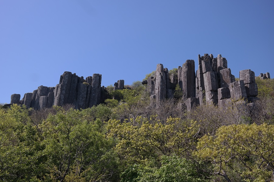 입석대는 서석대와 비슷한 시기에 형성됐으며, 빙하기 이후 기후변화의 산물이기도 하다.