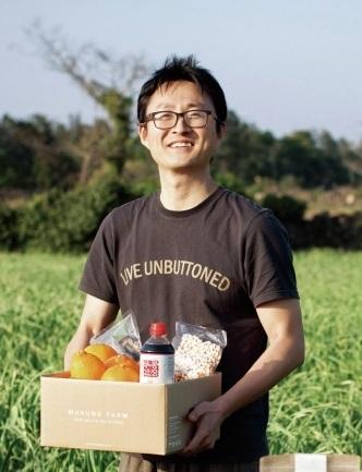 농촌 특산물을 도시로 직송하는 무릉외갓집의 실장을 맡고 있는 홍창욱씨.