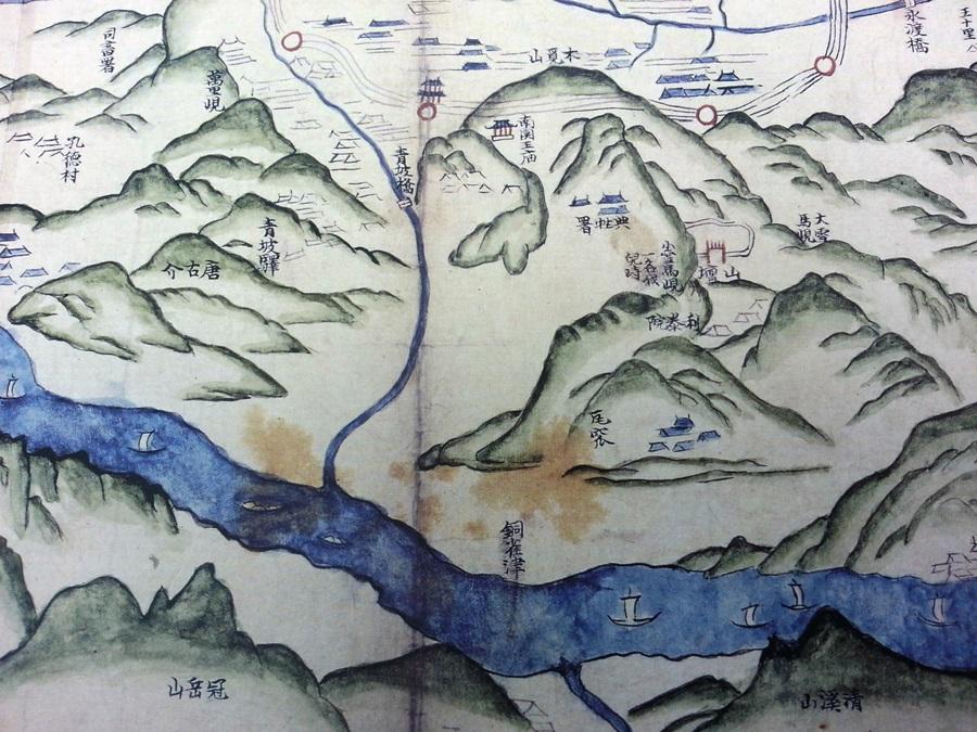 19세기 초 엔 목멱산(지금의 남산)과 관악산, 청계산의 모습이 뚜렷하고, 그 사이로 한강이 흐르고 있다.(영남대학교 박물관 소장)