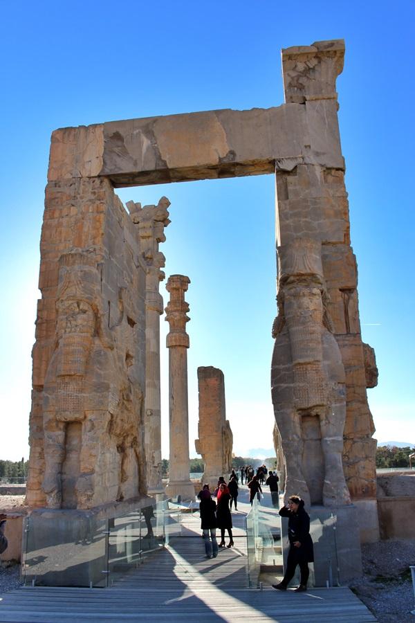 페르세폴리스 궁전은 깨지고 부서진 흔적들이 그대로 남아 있다.