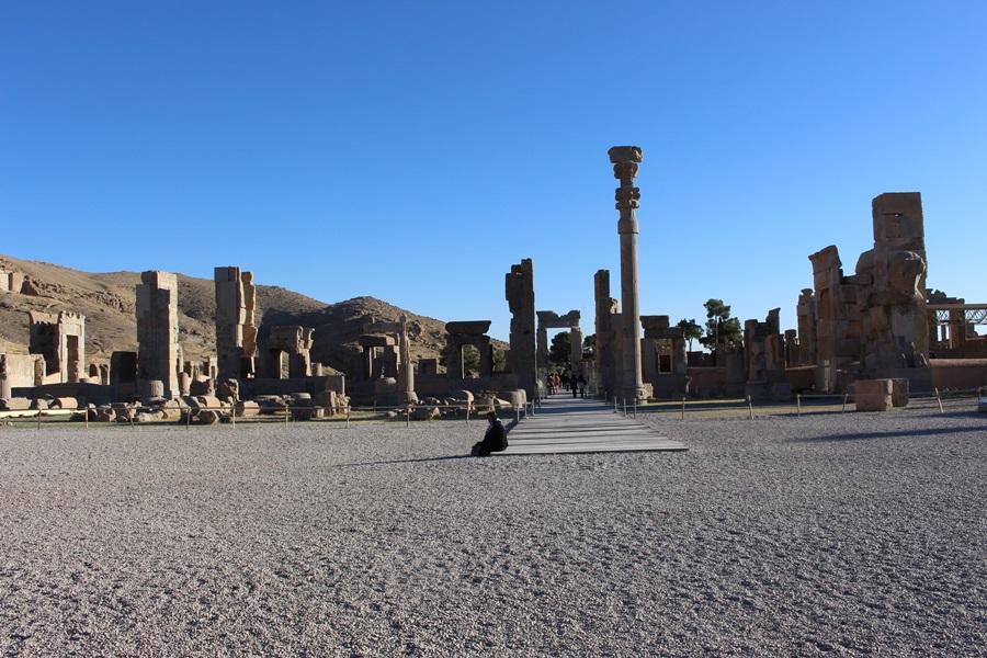 알렉산더 대왕은 페르세폴리스를 점령하고 난 뒤 엄청난 문화유적을 가져간다고 전한다.