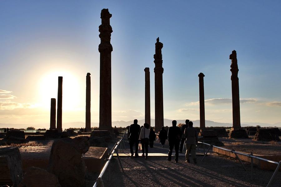 다리우스 대왕부터 3대에 걸쳐 궁전이 건립됐지만 절묘한 조화를 이루고 있다.