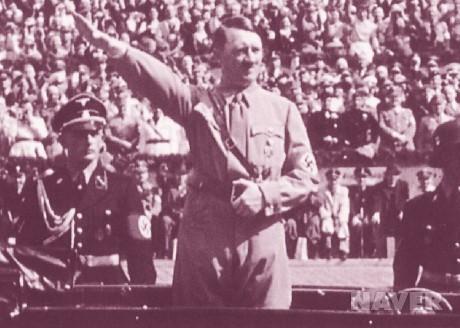 히틀러는 위대한 사상가 니체의 사상을 이용한 흔적이 곳곳에 남아 있다.